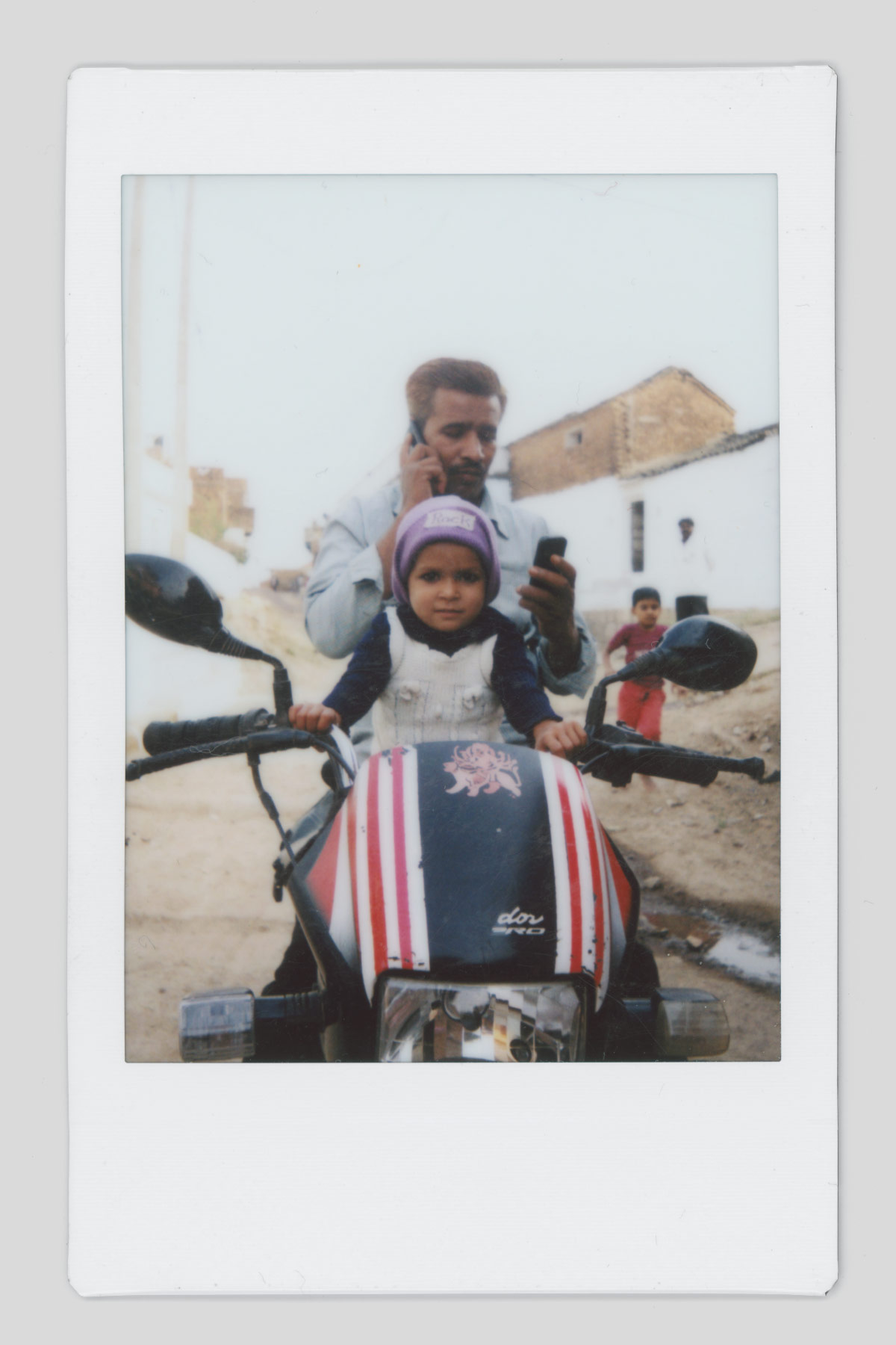 giulio_favotto_india_details_polaroid_instax_08